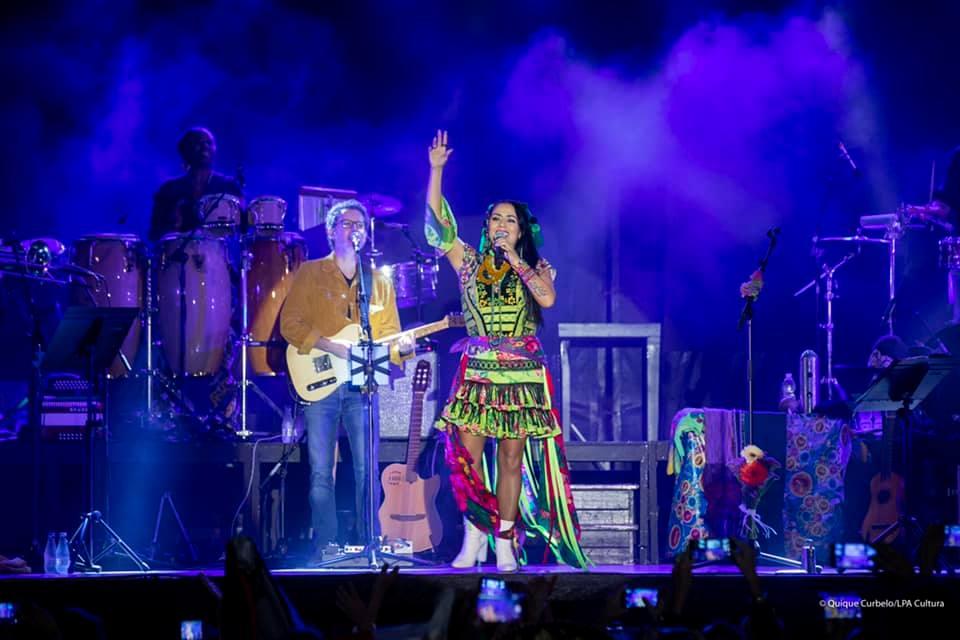 Más de 3.000 personas bailaron al ritmo de las canciones de Lila Downs. QUIQUE CURBELO.jpg